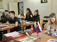 В Братиславе отмечали весенний народный праздник Масленицу